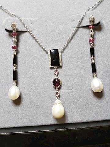 18k, Pearls, Rubies, Diamonds, Onyx, Coral...