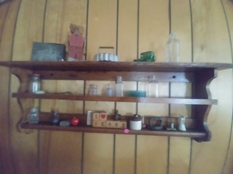 Wallshelf and collectables