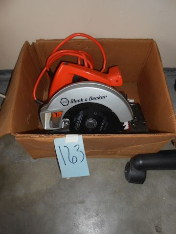 Lot #163 Black & Decker saw