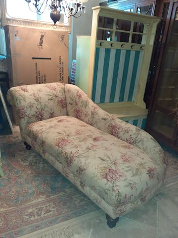 Thomasville Chase Lounge Fainting Couch