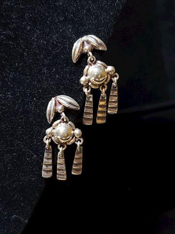 Silver screw on back earrings