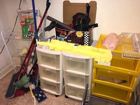 Organization plastics, Dirt Devil, cleaning tools