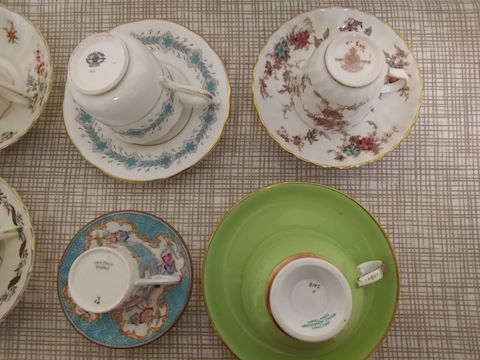 K  101     Assorted China cups & saucers