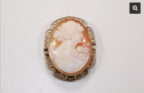 Gold 12K Frame VINTAGE Peach Cameo Pendant Broach