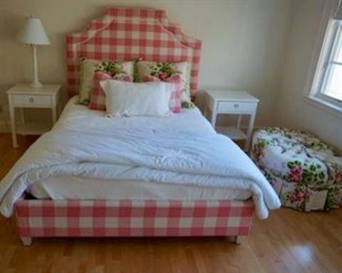 Queen Headboard& Matching Pillows