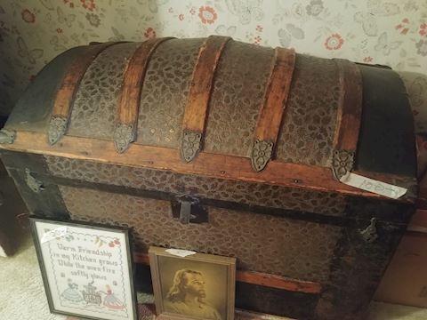 Antique dome trunk