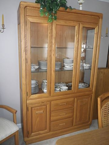 Stanley Lighted China Cabinet