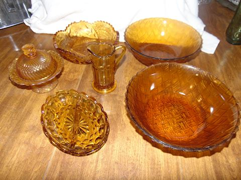Grouping of Vintage Viking Glass
