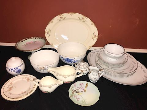 Mixed lot china dinner and serving, 24 pieces
