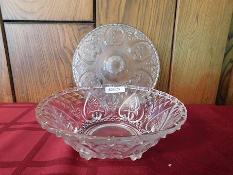125 Clear Glass Heart Bowl W/ Lid