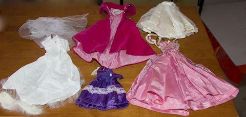 Barbie dresses - assorted