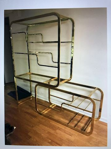 gold frame stand
