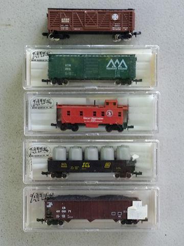 Atlas N-scale train cars