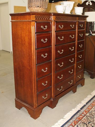 Lane Furniture 18 Drawer Gentlemen's Dresser