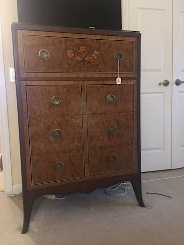 Burled wood Chest of drawers