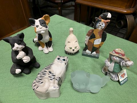 Lot of Cat Figurines