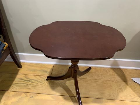 Federal Style Tripod Side Table
