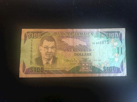 Jamaica 100 note from 2001