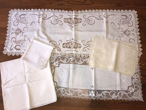 Table Linens Lot