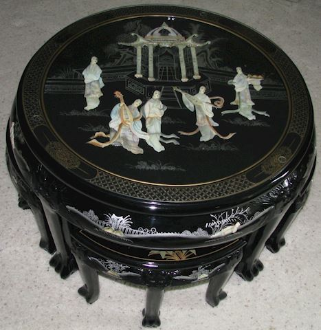 Black Lacquer / Mother of Pearl Tea Table