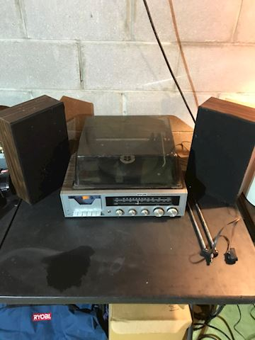 Panasonic turn table with cassette deck and AM/FM