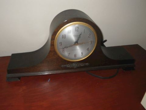Electric Mantle Clock