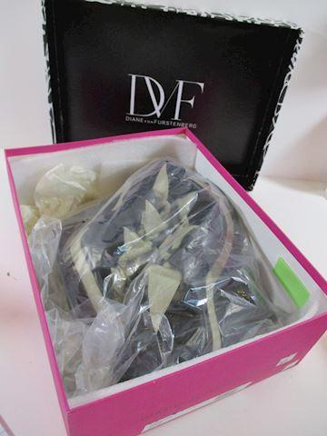 Diane Von Furstenburg  8M Thea Black Heels