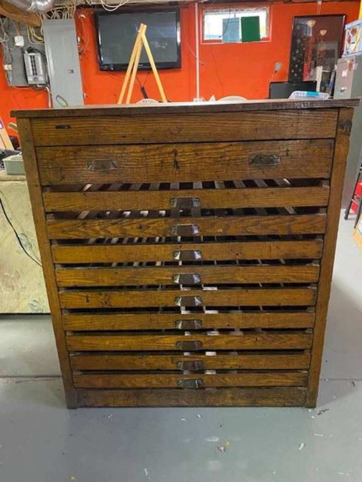 Williamsville Estate Sale Auction - Antiques, Collectibles, Printing Machines/Accessories, Household