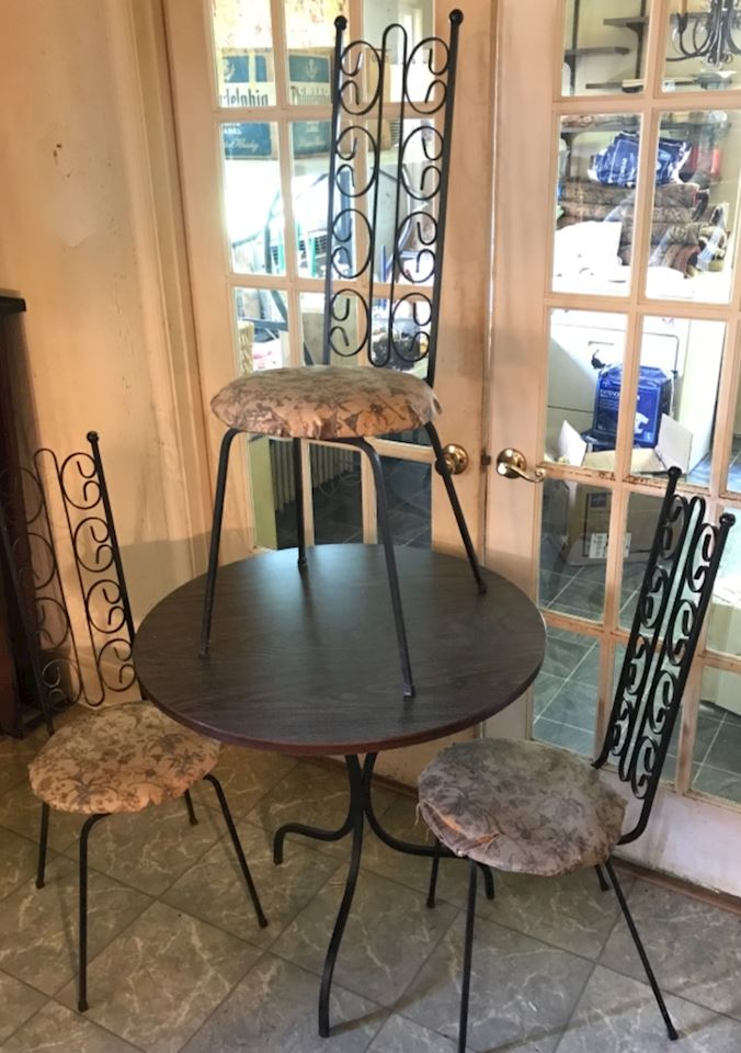 60% Off ONLINE ONLY Estate Sale - Rugs, Furniture, Collectibles +