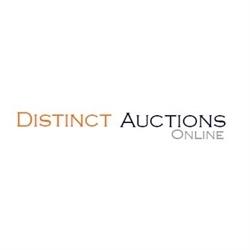 Distinct Auctions Logo